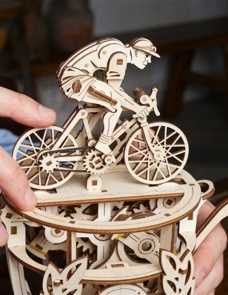 ugears ciclist automat puzzle 3D lemn model mecanic 1