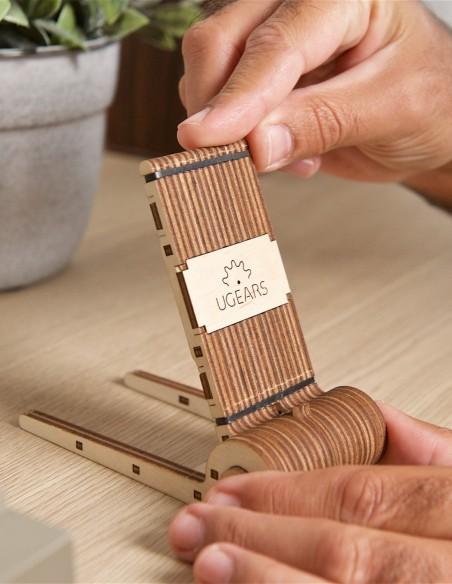 suport pliabil pentru telefon foldable phone holder ugears puzzle 3D lemn model mecanic